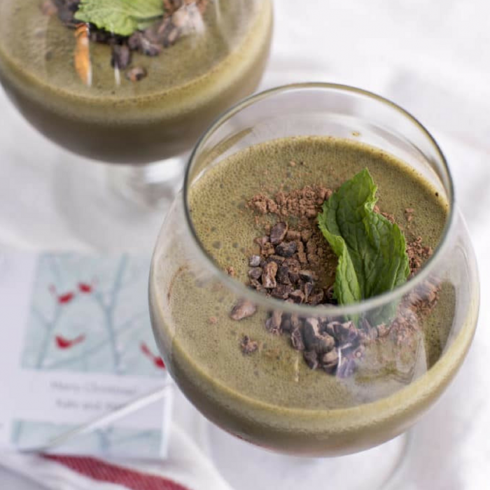Skinny-Peppermint-Mocha-Green-Smoothie